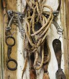 Un mur rustique de pièce de pointe complètement de pointe de cheval de vintage Photographie stock