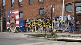 un murale di 42 pareti, tema selvaggio surrealista non specificato dei leoni, Ellum profondo, il Texas Fotografia Stock