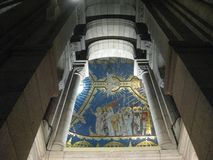 Un murale e un arco dipinti alti ur del Sacré-CÅ «, Parigi fotografia stock
