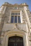 Un New Jersey en pierre gothique fleuri de bibliothèque d'architecture photographie stock