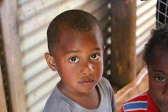 Un niño en una escuela en Fiji foto de archivo libre de regalías