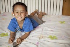 Un niño pequeño Fotos de archivo libres de regalías