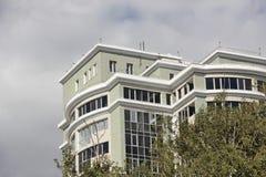 Un nouveau bâtiment à plusiers étages Photos stock