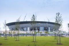 Un nuevo estadio en la isla de Krestovsky, conocida como el santo P Imagen de archivo