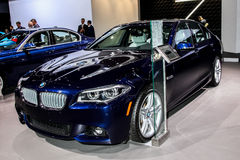 Un objet exposé xDrive de berline de BMW 550i à l'international 2016 de New York Photo libre de droits
