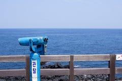 Un observatoire donnant sur la mer images libres de droits