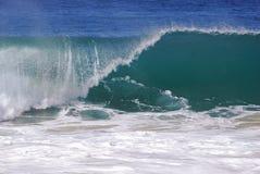 Un'onda di rottura alla spiaggia in Laguna Beach, California di Aliso Fotografia Stock