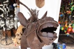 Un'opera d'arte ragliante dell'asino su esposizione fotografia stock