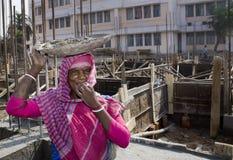 Un operaio femminile indiano Fotografia Stock
