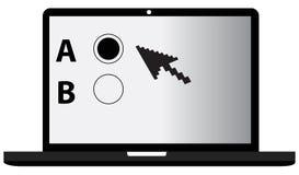 Un ordinateur portable de B et un essai en ligne Photos stock