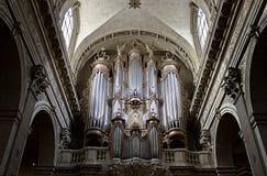 Organe de tuyau de cathédrale - Ãle St Louis, Paris Photographie stock libre de droits