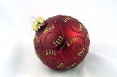 Un ornamento de la Navidad del rojo y del oro Fotos de archivo