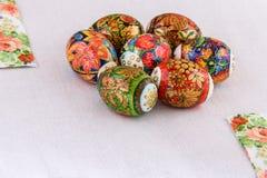 Un ornamento pasqua di sette uova per composizione Immagini Stock Libere da Diritti