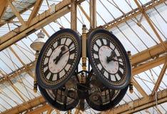 Un orologio della stazione ferroviaria Fotografia Stock