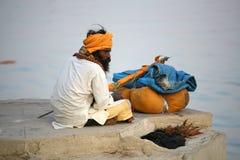 Un pélerin, Vanarasi, Inde Photo stock