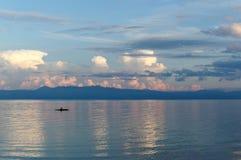 Un pêcheur local Returns Home Photo libre de droits