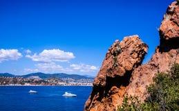 Un paesaggio della costa francese vicino a Cannes fotografia stock libera da diritti