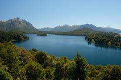 Un paesaggio di un distretto di sette laghi, Patagonia, Argentina immagini stock