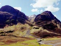 Un paesaggio di tre sorelle negli altopiani scozzesi fotografia stock libera da diritti