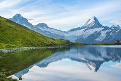 Un paesaggio magico con un lago nelle montagne in Al svizzero Fotografie Stock Libere da Diritti