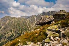 Un paesaggio roccioso in montagne di Tatra fotografia stock libera da diritti