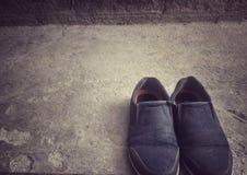 Un paio delle scarpe fotografia stock
