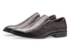 Un paio delle scarpe di cuoio marroni classiche per gli uomini, senza laccetti Fotografia Stock