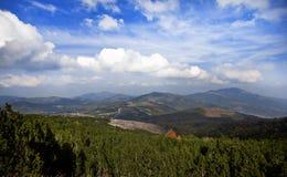 Un paisaje de la montaña fotografía de archivo