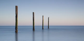 Un paisaje del mar sobre las horas tempranas Fotos de archivo libres de regalías