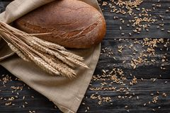 Un pan del pan fresco huele fragante Comida lista de la corteza rubicunda hermosa fotos de archivo