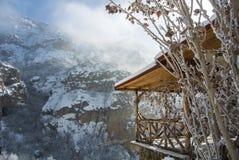 Un panorama d'hiver de monastère de Geghard Image stock