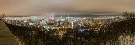 Un panorama de la noche del invierno de Montreal Imagen de archivo