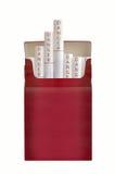 Un paquet de cigarettes filtrées Photo stock