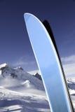 Un par de esquís Imagenes de archivo