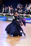 Un par no identificado de la danza en una danza presenta durante estándar del Grand Slam en el campeonato abierto del alemán Imagenes de archivo
