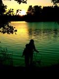 Un par por el lake2 Foto de archivo