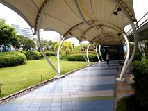 Un parque al aire libre elevado llamó el jardín del cielo en la ciudad Edsa del norte del SM Foto de archivo