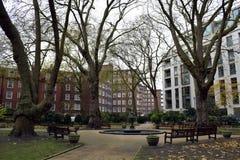 Un parque circular inglés en Londres Imagen de archivo libre de regalías