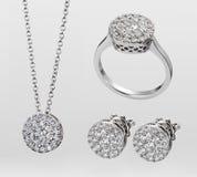 Un parure des bijoux de pierre gemme photos libres de droits