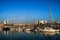 Un paseo en el puerto imagen de archivo