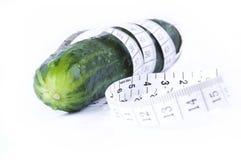 Un pasto sano - cetriolo immagini stock libere da diritti