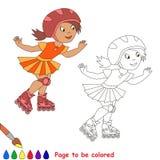 Un patinaje sobre ruedas de la muchacha del niño en un casco rojo y Imagen de archivo libre de regalías