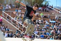 Un patineur professionnel à la concurrence de patinage aux sports extrêmes Barcelone de LKXA Photo stock