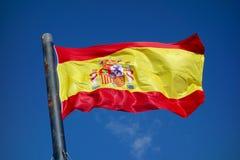 Un patriottismo spagnolo del vento della bandiera in un giorno di aria aperta Fotografie Stock Libere da Diritti