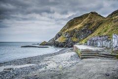 Un Pebble Beach viejo en Irlanda Imagenes de archivo