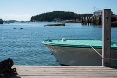 Un pequeño barco de pesca Imágenes de archivo libres de regalías