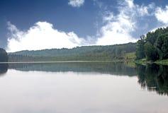 Un pequeño lago Imágenes de archivo libres de regalías