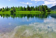 Un pequeño lago del parque nacional magnífico de Teton Imagenes de archivo
