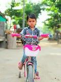 Un pequeño muchacho lindo Imagenes de archivo