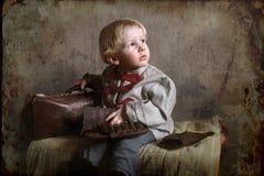 Un pequeño niño del tiempo de guerra imágenes de archivo libres de regalías